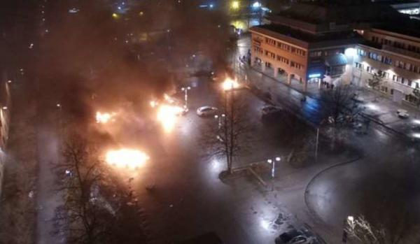 Rinkeby, Sweden on fire! Muslim immigrants riot